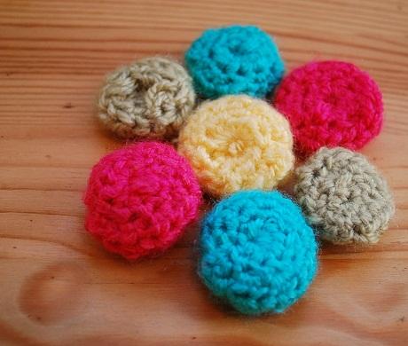 Button Bracelet   Crochet Free Pattern