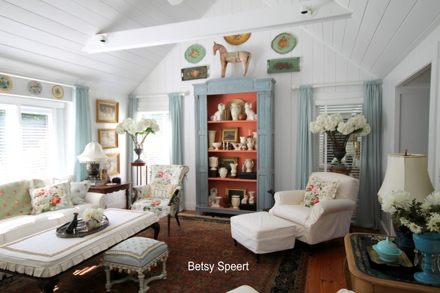 Betsy Speert\'s Blog: Country Cottage Living Room