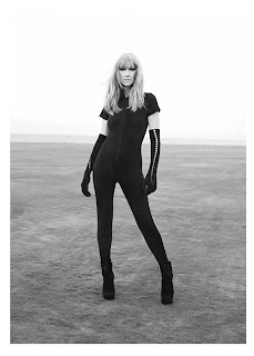Celine Dion in tight black outfit