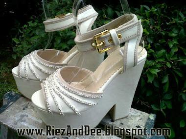 Riez & Dee Shoe's