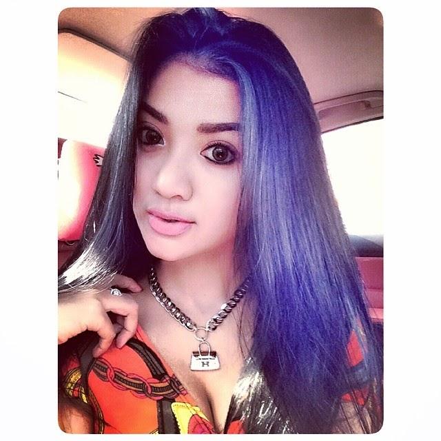 Image Result For Laras Monca Seksi Selfie Koleksi Terbaru