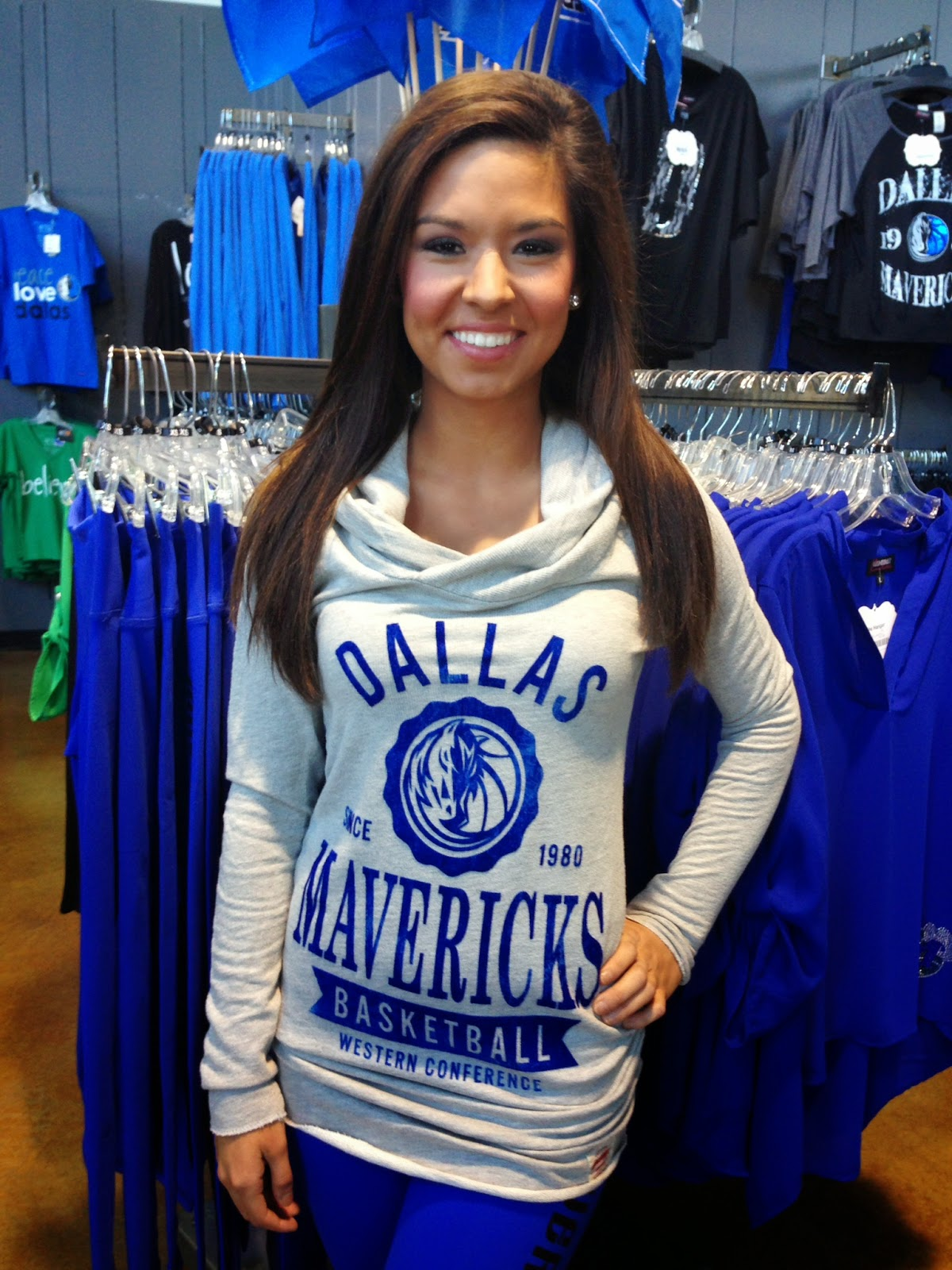 Dallas Mavericks women's turtleneck, dallas mavericks women's clothing