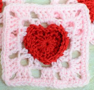 http://translate.googleusercontent.com/translate_c?depth=1&hl=es&rurl=translate.google.es&sl=en&tl=es&u=http://www.petalstopicots.com/2014/01/heart-granny-square-crochet-pattern/&usg=ALkJrhjFUVzNCZ0GFG6R5HtNoEgrQvtkPg