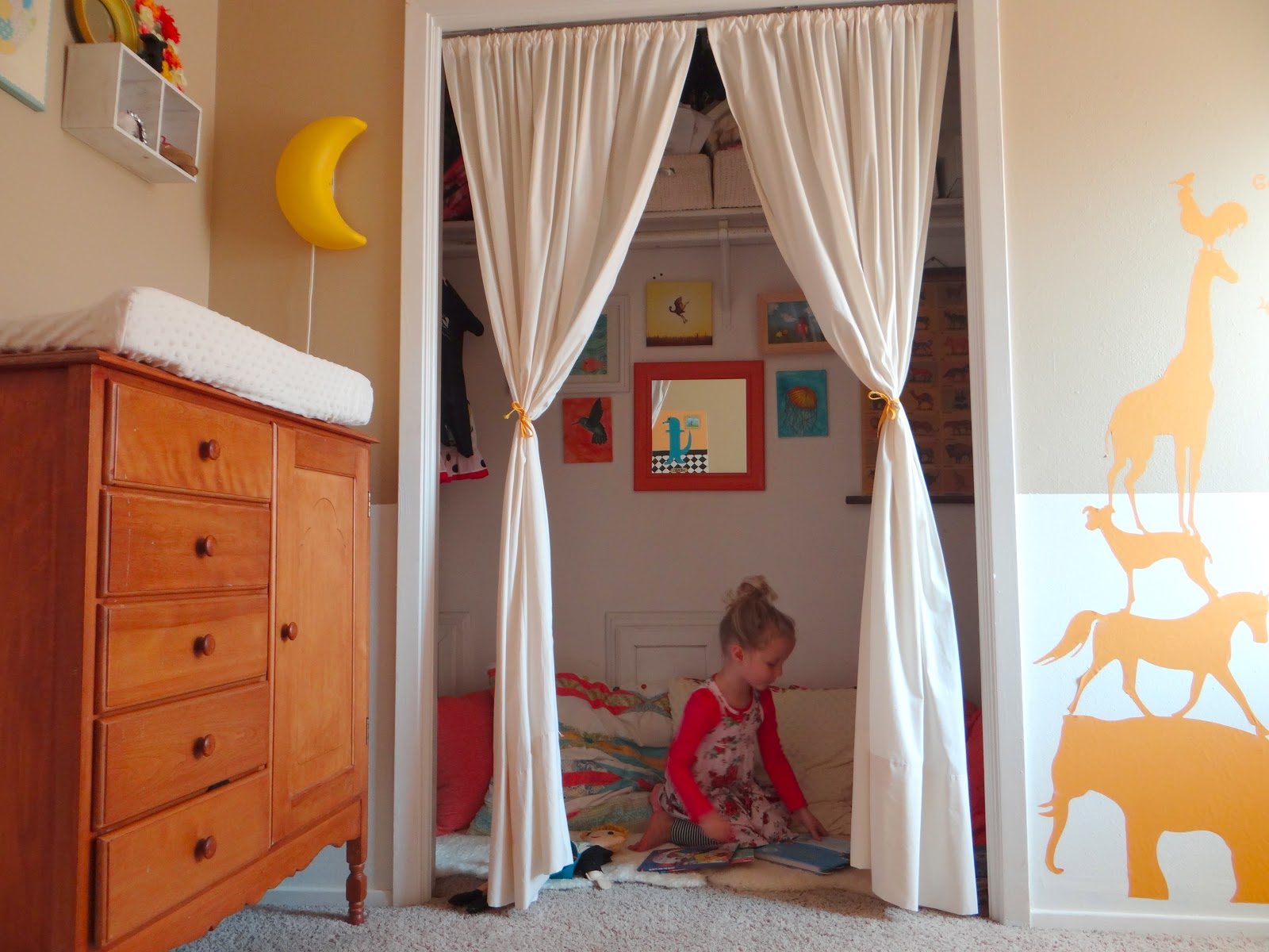 Lwd+closet+reading+nook+kids+room