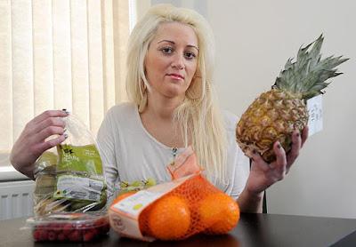 Wanita menempah maut jika makan buah lagi