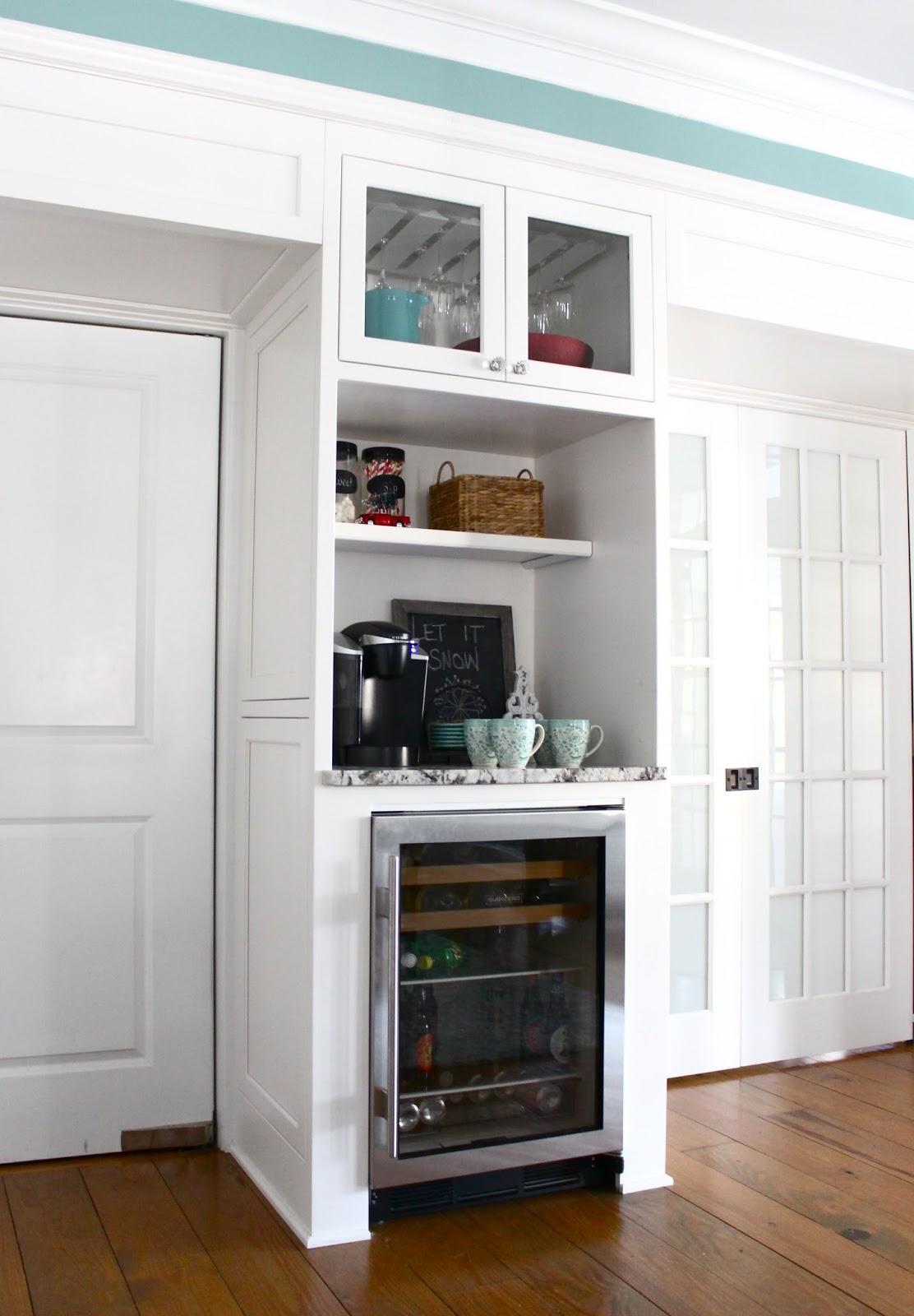 Beverage Station In Kitchen - Kitchen Design Ideas