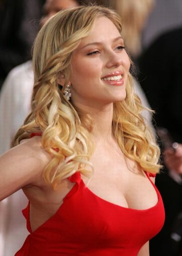 scarlett-johansson-20060306-113739.jpg