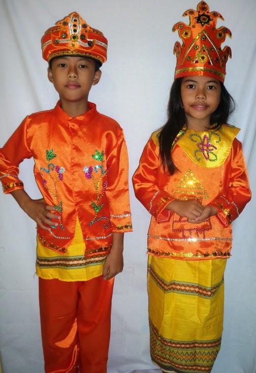 Model Baju Adat Anak Daerah Tapanuli