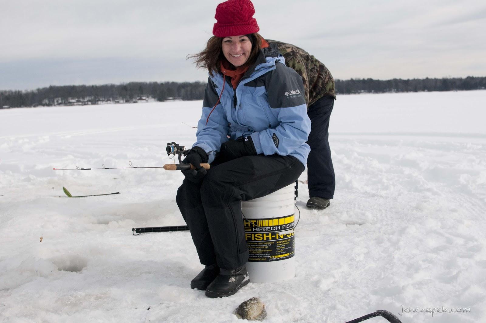 Ice fishing girls - photo#28