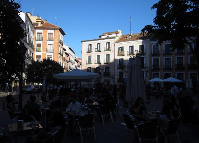 Terrazas en Plaza Juan Puyol, Malasaña.