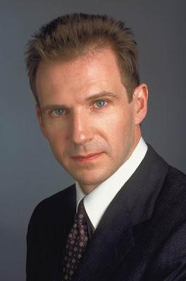 Ralph Fiennes actores de tv