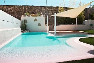 Piscina+de+arenas+tropicales+blanco Fase final Concurso iPool2012, a la Mejor Piscina de Europa