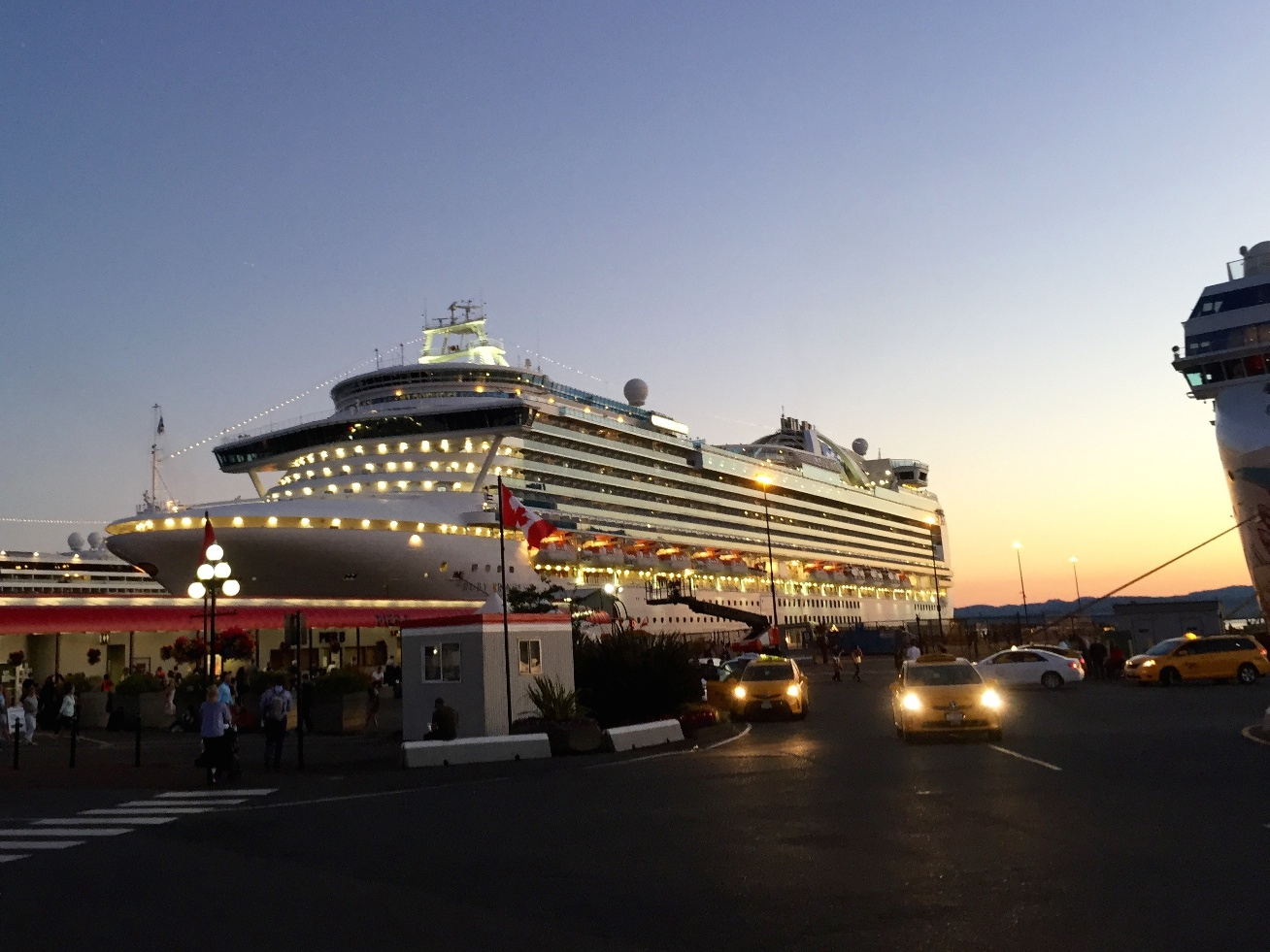 Joes Julias Adventures Cruise The Ship - How much do cruise ships make
