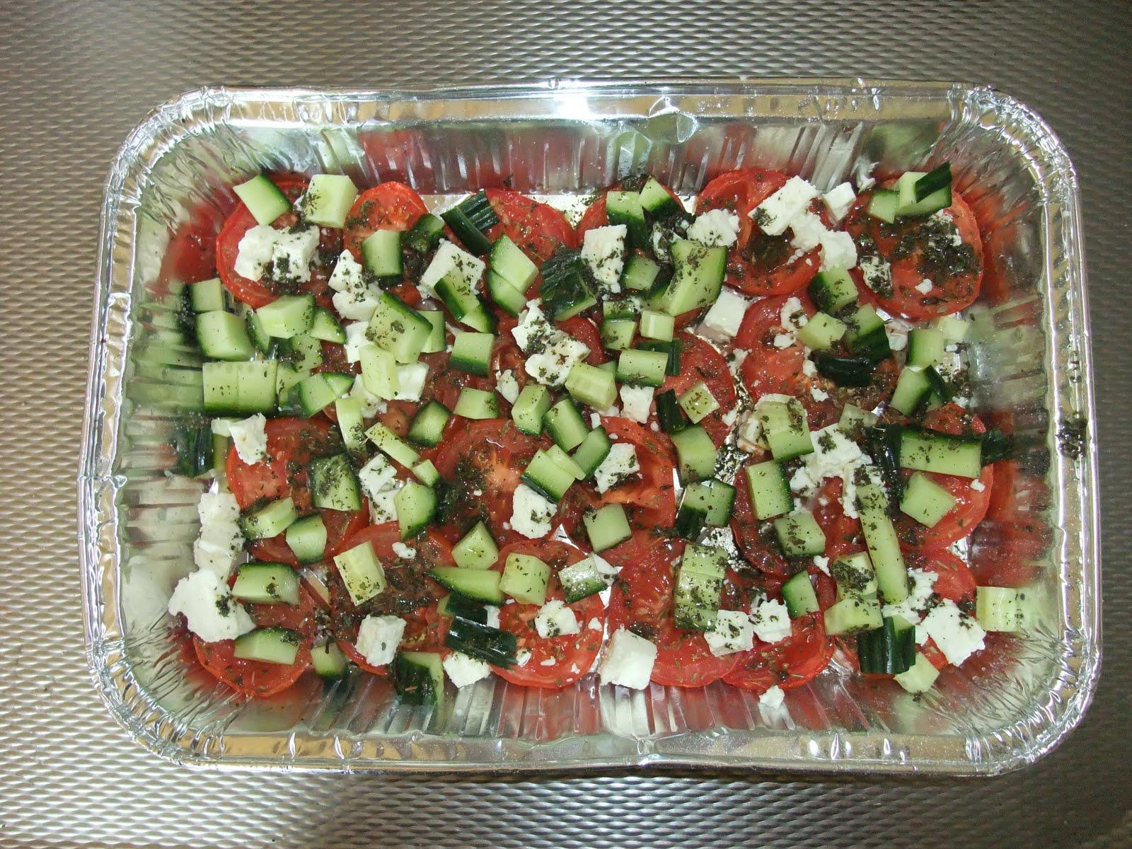 Salade van maangedroogde tomaten feta komkommer en munt for Vers des salades