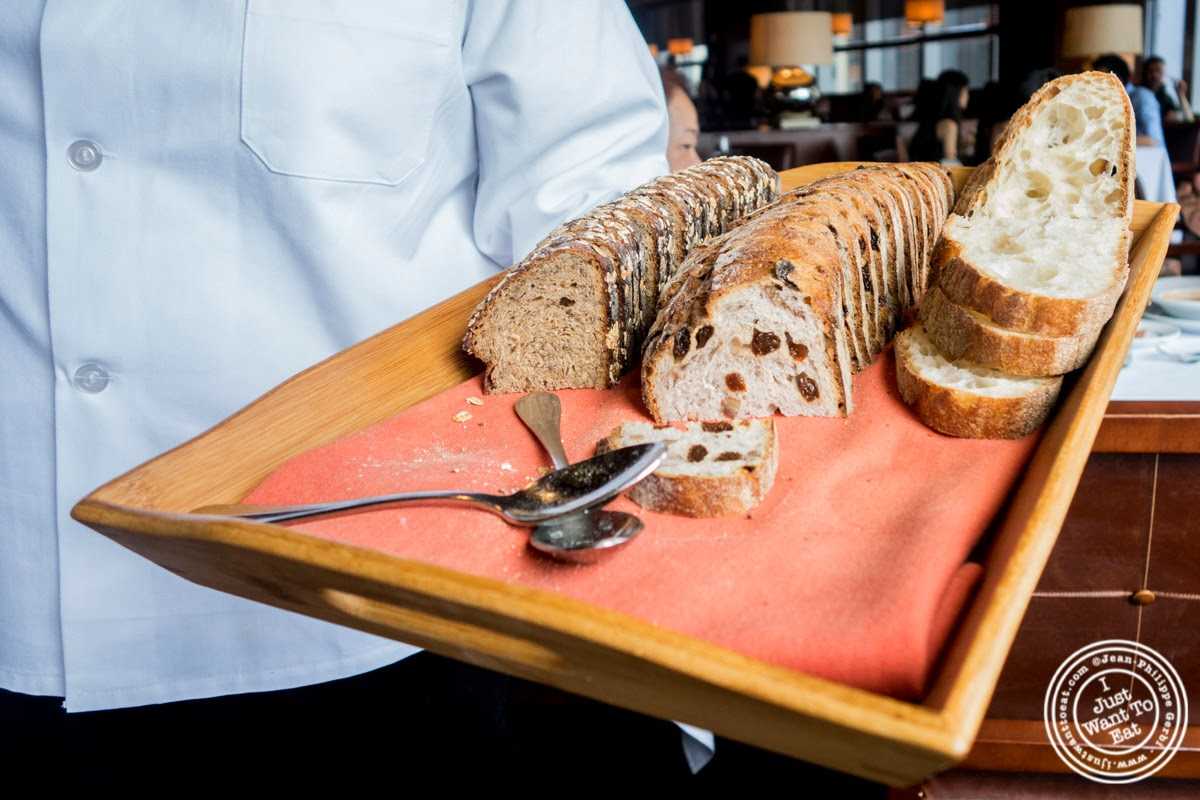 image of bread basket at Porterhouse in New York, NY
