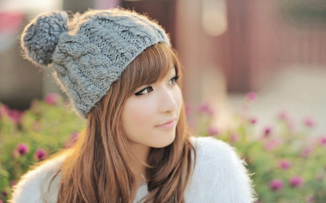 2311-Cute Girl HD Wallpaperz