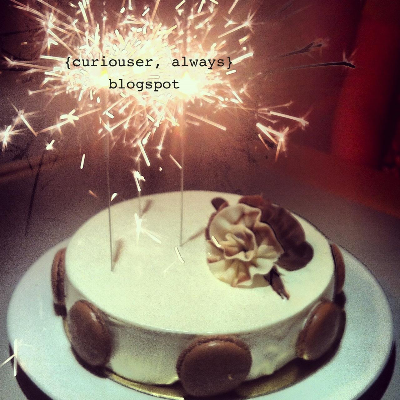 http://4.bp.blogspot.com/-YdPOeu360oQ/T92G9i9Aq-I/AAAAAAAAASc/dSMP4a3uWII/s1600/birthday%2Bcake%2Bfrom%2BLe%2BBon%2BChoix.jpg