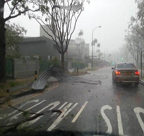 Singapore_hailstorm_damage_photo_2013
