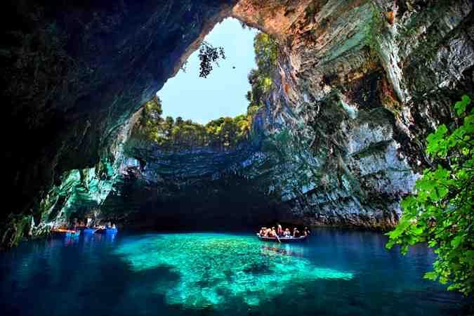 Melissani Cave-Lake, Yunani