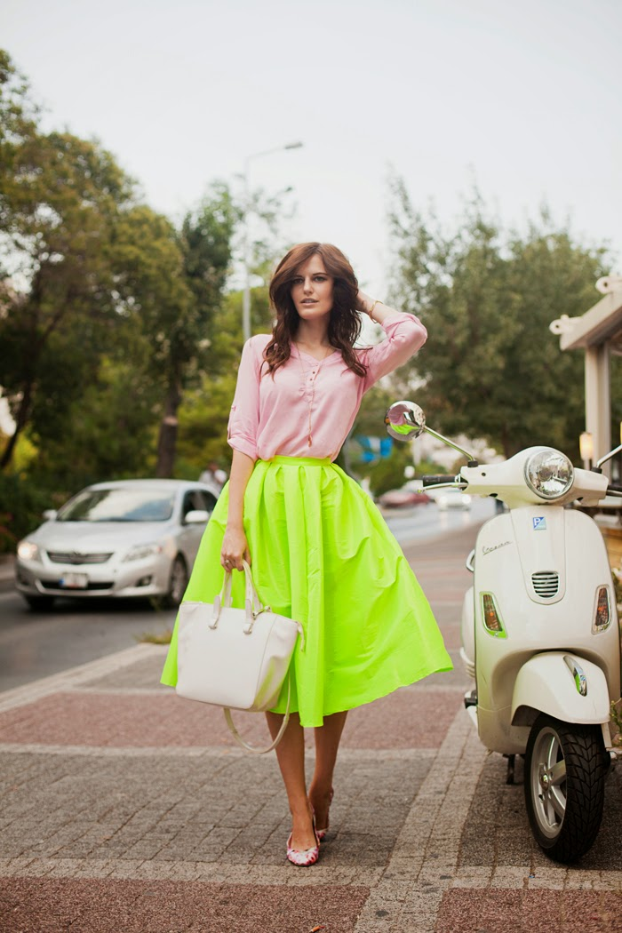 formal or casual midi skirts for women The midi skirt comes in a range of styles perfect for any occasion, from the office to weddings. Flowy pieces add a feminine silhouette to your look, while pencil skirts will flatter your figure.
