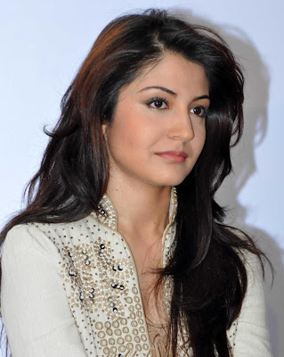 Angelic anushka sharma