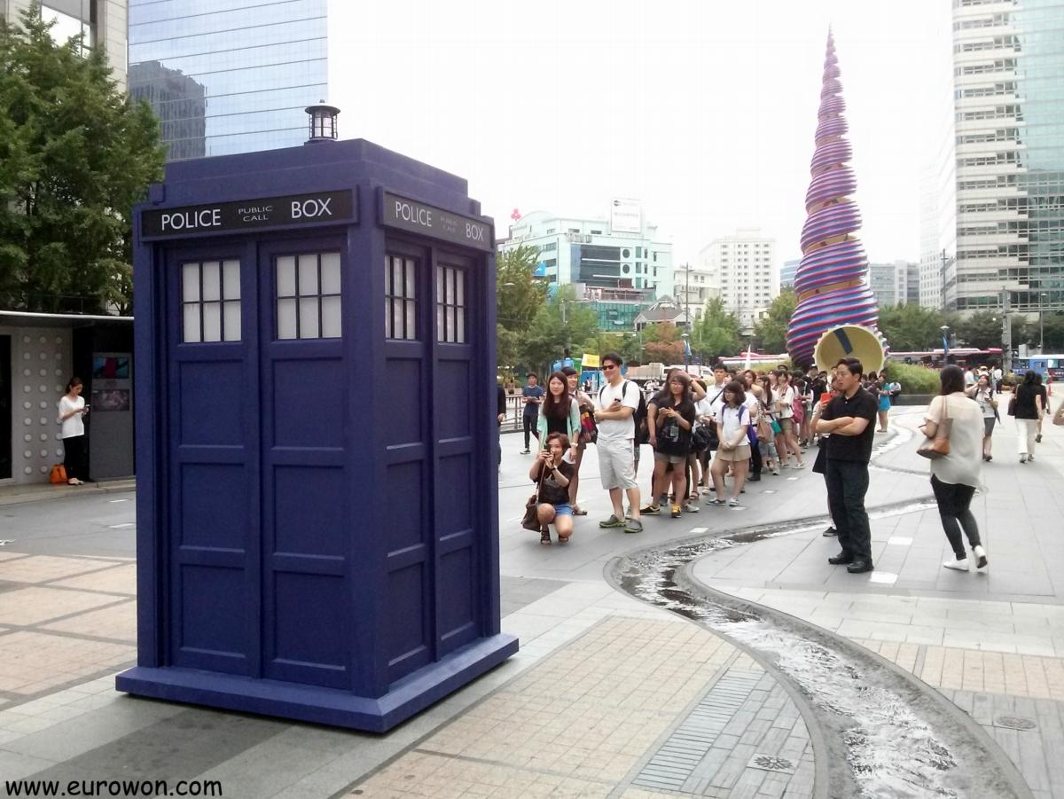 Nave Tardis del Doctor Who en Seúl