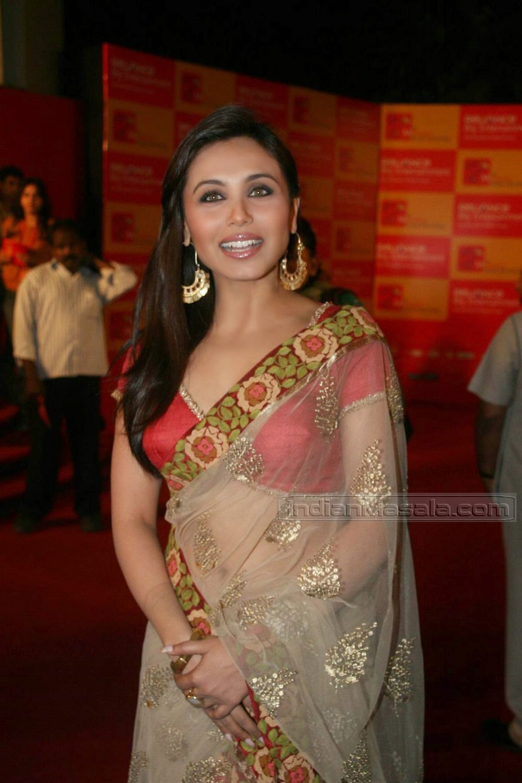 Relaxed Actress rani mukarji boob fighe bocca