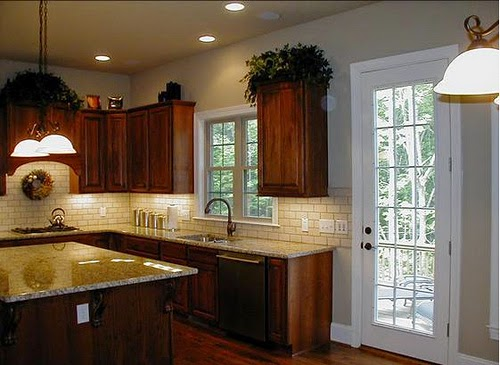 Kitchen-Design-Counter-Backsplash