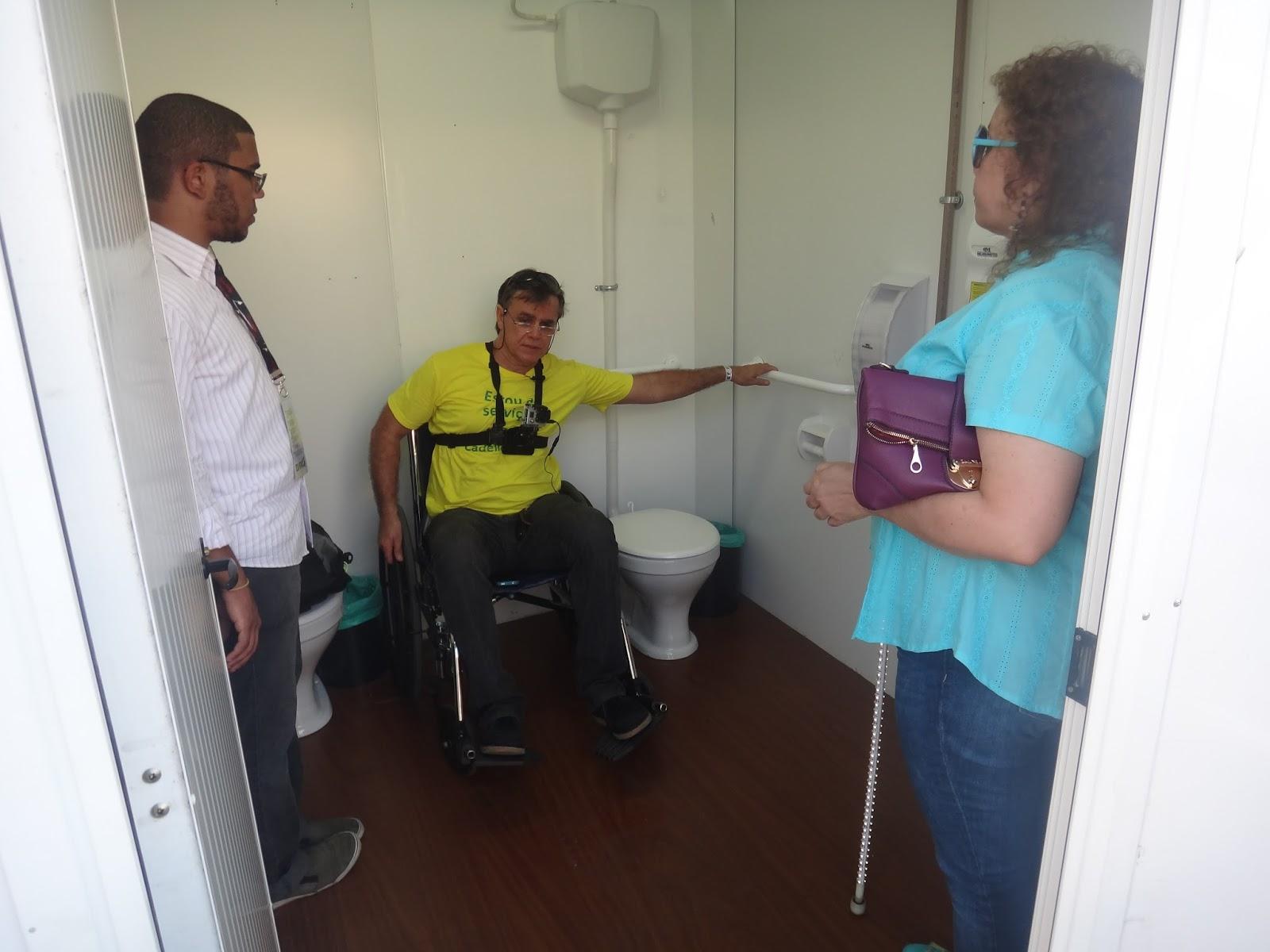 do banheiro acessível ondeas barras de transferência estão boas #30879B 1600 1200