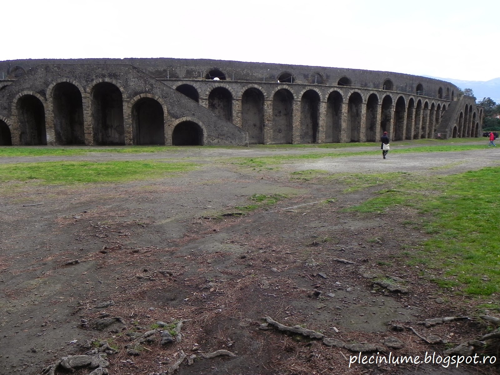 Amfiteatrul din Pompei, ingropat complet pana la descoperirea lui