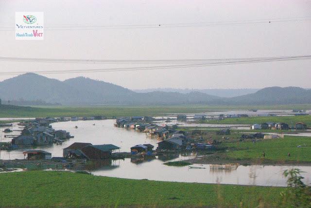 Nhà bè trên Sông La Ngà, Đồng Nai
