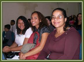 Alunas do NÚCLEO III - CAXIAS- Danielle, Glaucia e Carla Viviane.