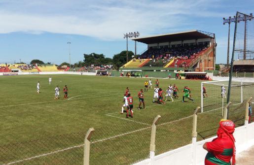 Muito calor e pouco futebol, Lusa empata sem gols em sua estreia na A2