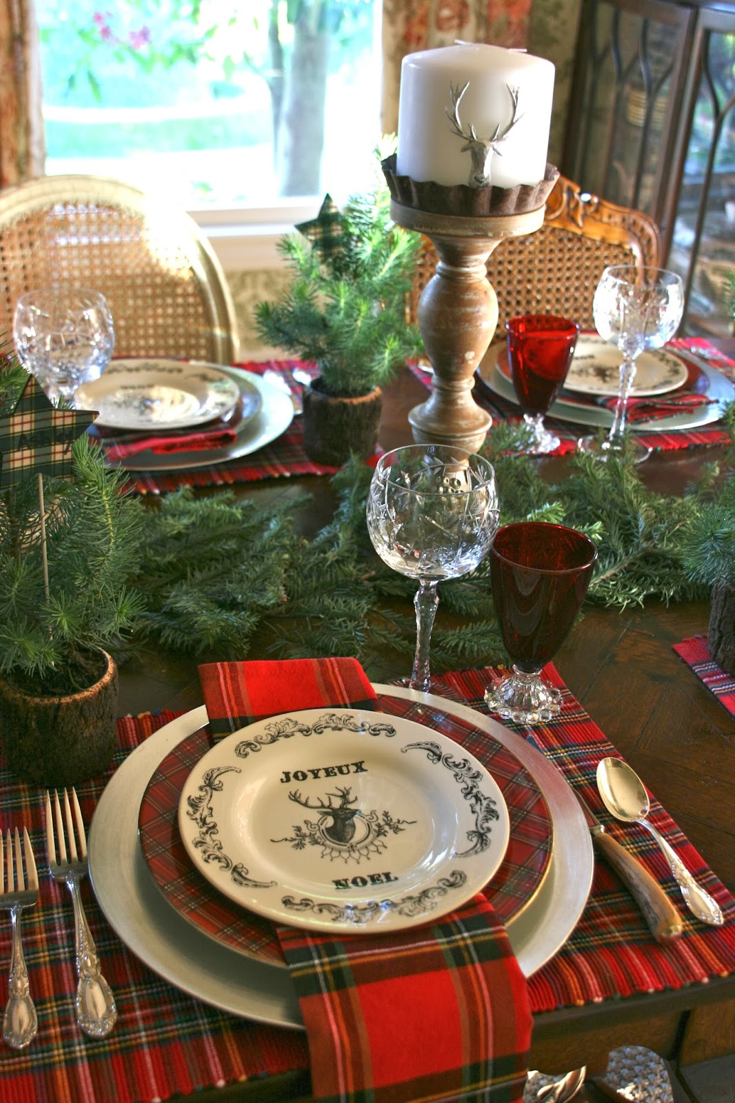 vignette design a christmas day tablescape. Black Bedroom Furniture Sets. Home Design Ideas
