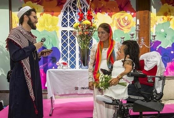 Pasangan lesbian dinikahkan imam gay