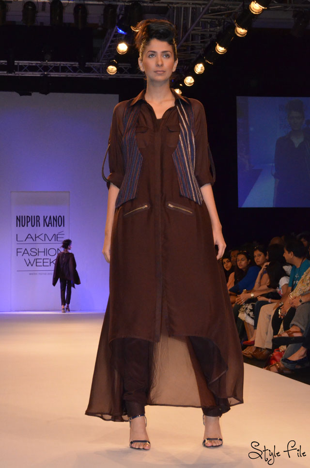lakme fashion week brown flowing zippers vest nupur kanoi
