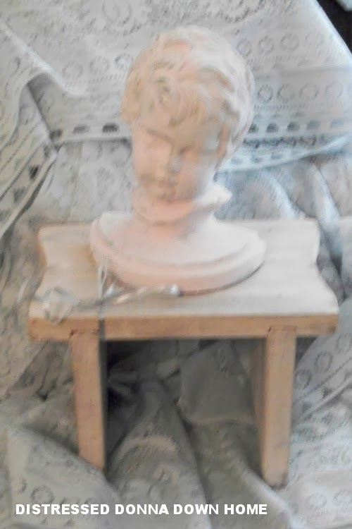 Paint patina, French style, prairie style, pink, small bust, small bench