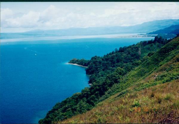 danau poso sulawesi tengah indonesia blue sky