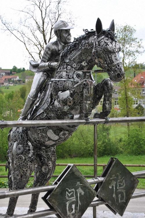 2b-Horse-show-jumper-1to1-scale-Giganten-Aus-Stahl