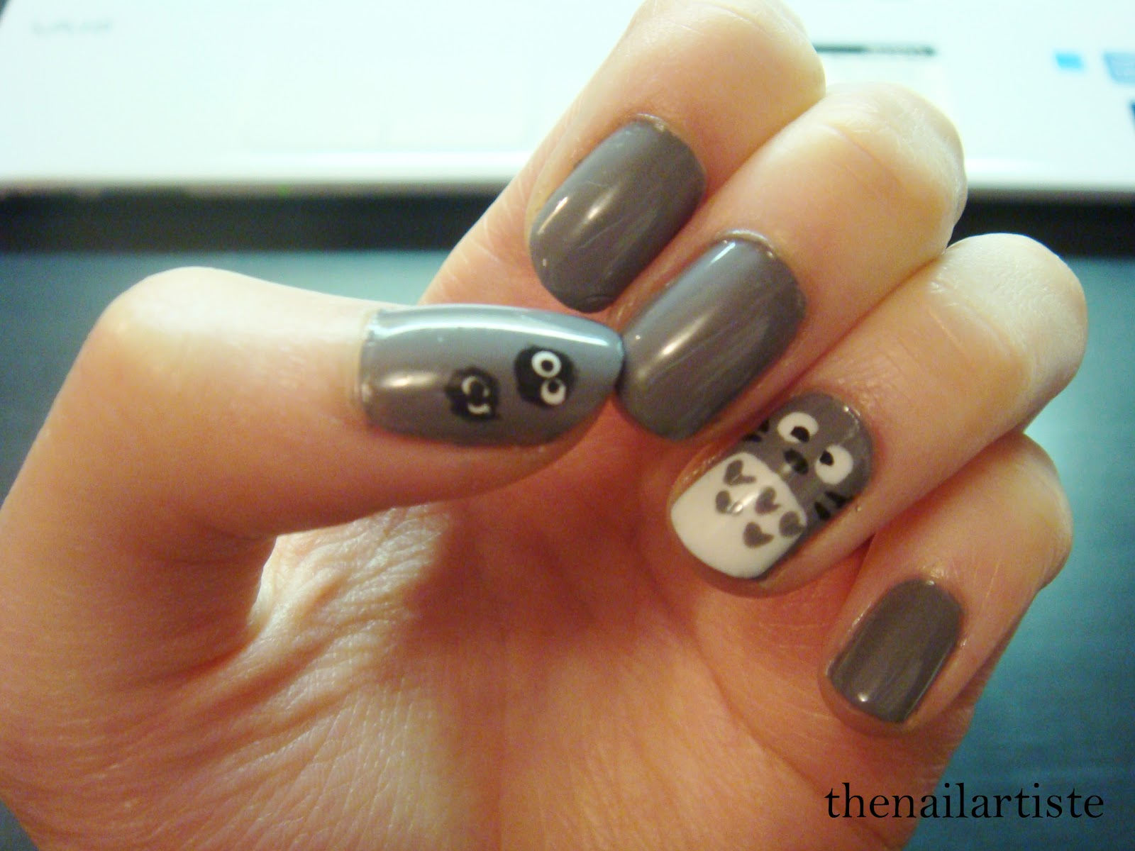 The Nail Artiste: Nail Art: Totoro with American Apparel \