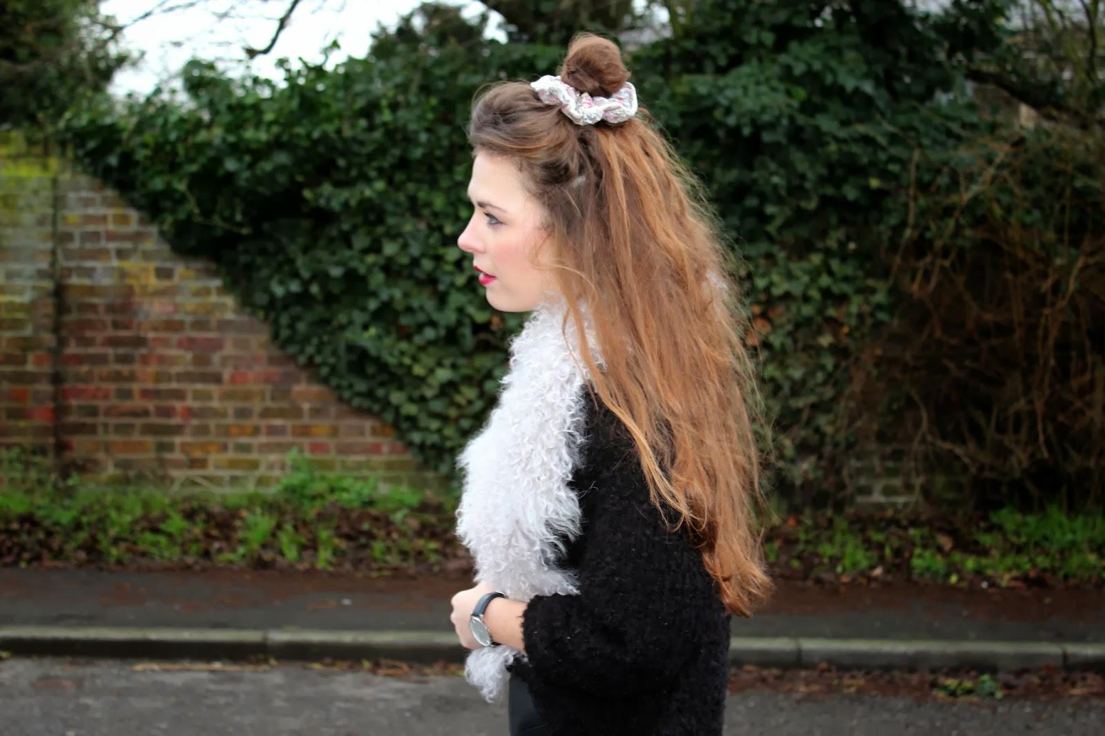 Messy_bun_hair_Style