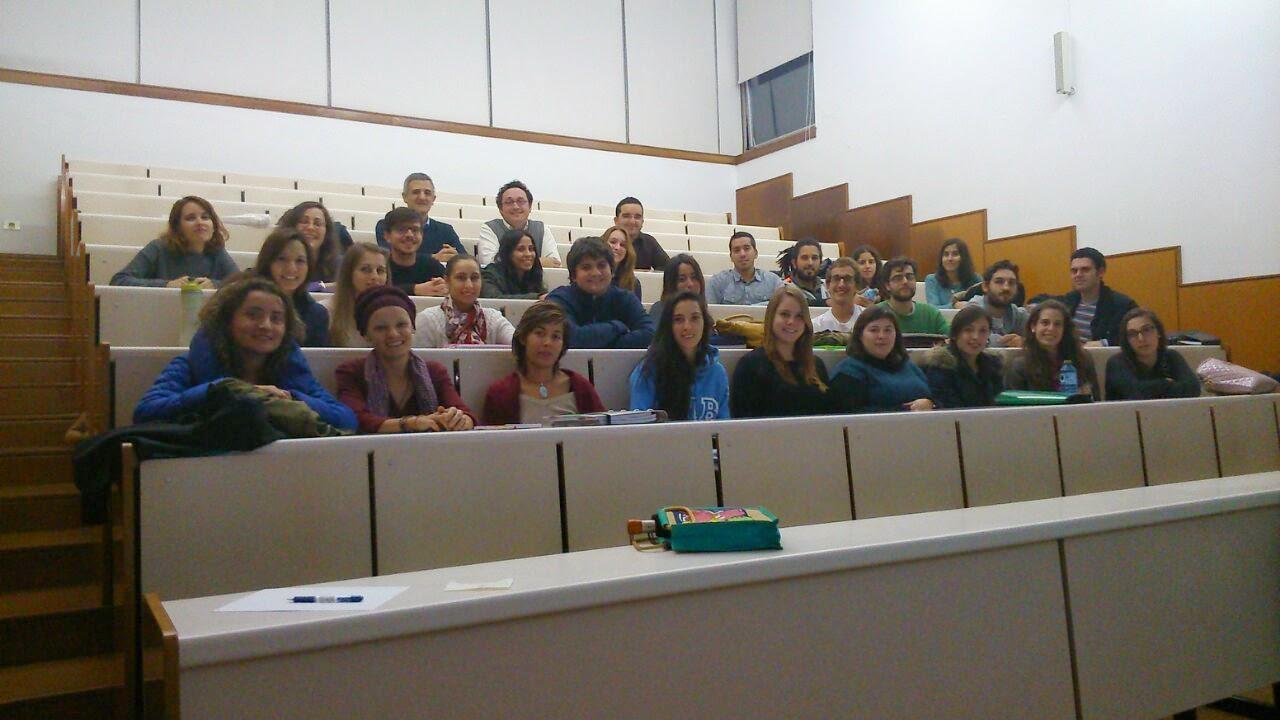 Álvaro García Ortiz con los alumnos del Máster en Gestión del Desarrollo Sostenible