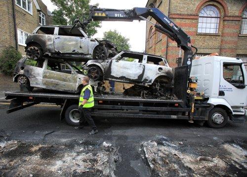 foto-kerusuhan-london-inggris-2011-15