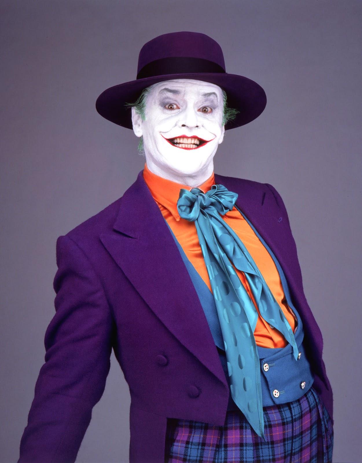 http://4.bp.blogspot.com/-Yh-vCJEJCCQ/UO9NbV8NbgI/AAAAAAAAmp8/9jgzGbEW-cQ/s1600/Batman.jpg