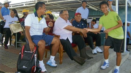 kangar christian singles The perlis-born then partnered indonesian christian alvin edison to  for both  the singles and doubles titles in penang and perlis, has now.