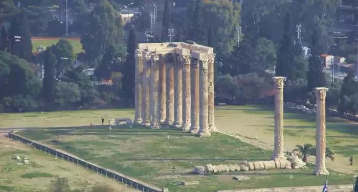 Οι στύλοι του Ολυμπίου Διός, ο μεγαλύτερος ναός της αρχαιότητας - Πώς γκρεμίστηκαν οι περισσότερες από τις 104 κολώνες που ζύγιζαν 364 τόνους