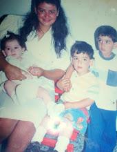 Marina y tres de sus Hijos