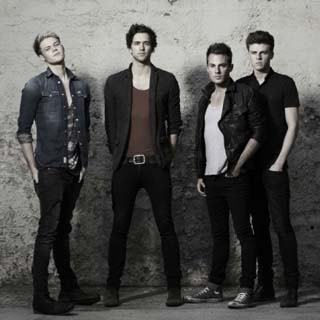 Lawson – Standing In The Dark Lyrics | Letras | Lirik | Tekst | Text | Testo | Paroles - Source: musicjuzz.blogspot.com