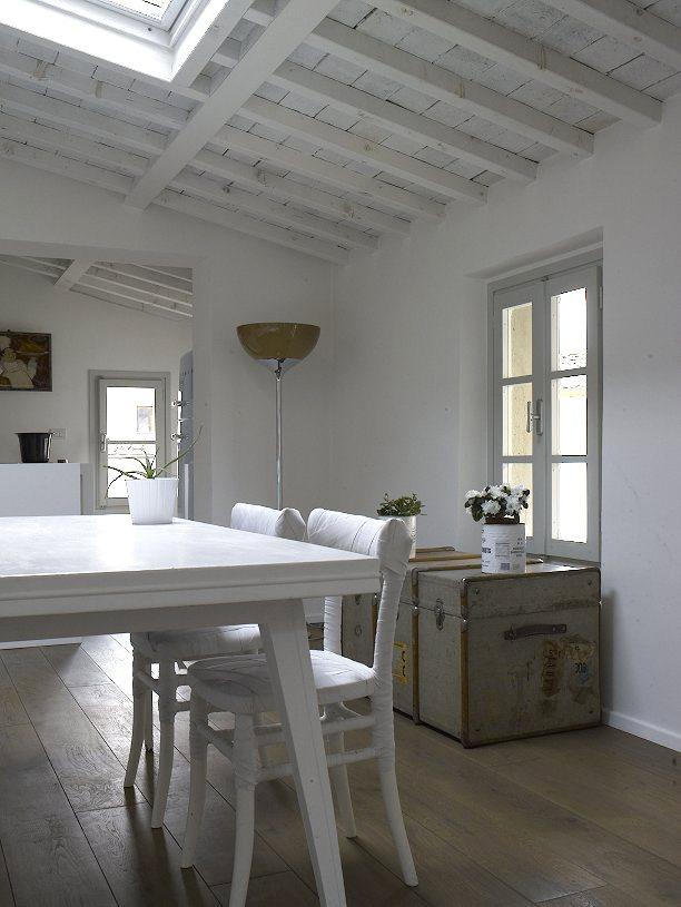 Bianco azzurro e - Cucina legno bianco decapato ...