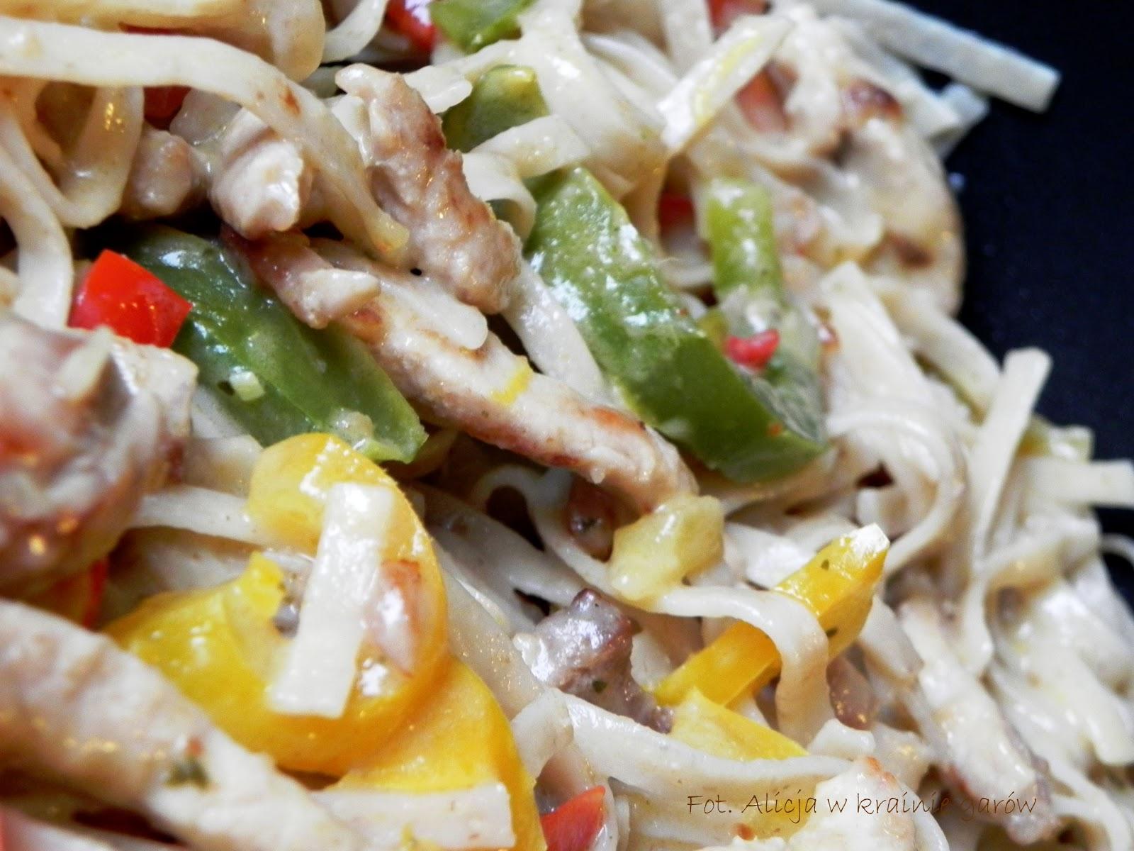 Alicja W Krainie Garów Tajskie Zielone Curry Z Papryką